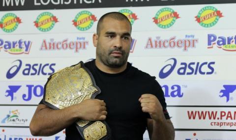 Багата остана без съперник за UFC 250