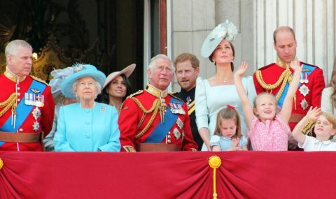 Гадателка вещае кошмарна 2021 г. за кралското семейство