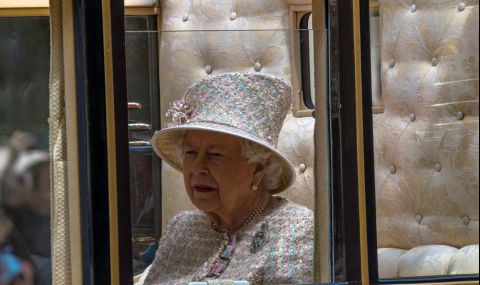 Кралицата се върна към официалните си задължения след смъртта на принц Филип
