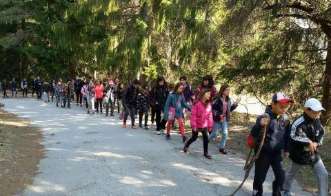 Без частни училища в програмата за безплатно летуване на МОН