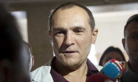 Божков: Подлоги на хунтата твърдят, че плащам за протестите