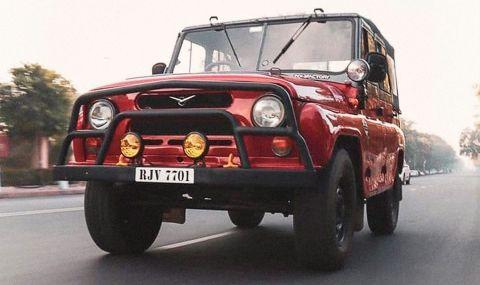 Свръхнеобичайна модификация на класическия УАЗ-469, заснета в Индия