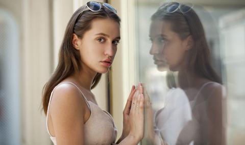 Зловеща причина ще ви накара да изхвърлите огледалото от спалнята