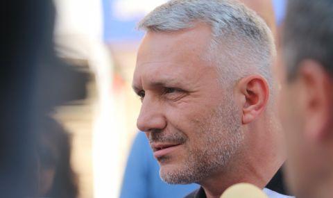 Хаджигенов отвърна: Манолова и Дончева не са нито гледали, нито чули, ни разбрали, както обикновено