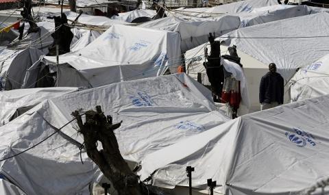 Извънредно положение на гръцки остров заради бежанците