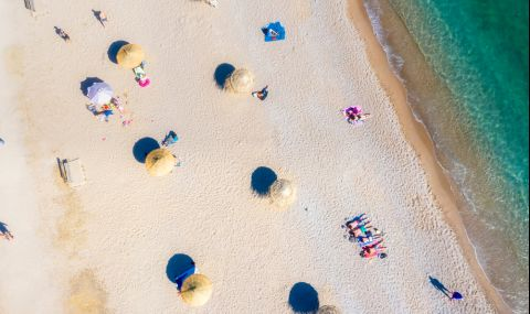 Гърция въведе ограничения за плажуващите