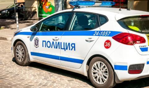 Оставиха в ареста обвиняемите за грабежа в Костинброд