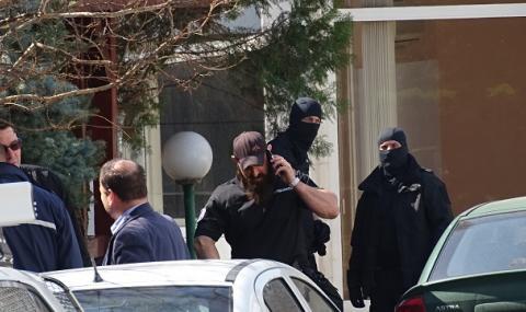 Прокурори влязоха в дружество, доставяло оборудване на ВВС на България