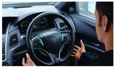 Honda извади самоуправляваща се кола, която ви позволява да свалите ръцете си от волана (ВИДЕО)