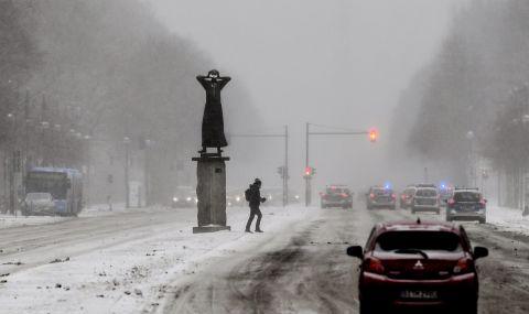Снежни виелици в Европа