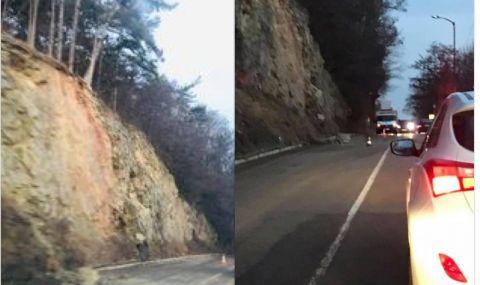 Първо във ФАКТИ: Поредно срутване на скала, този път на ''Самоковско шосе''