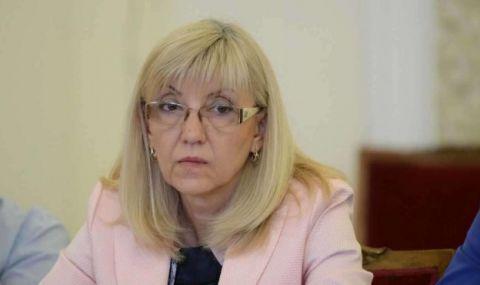 Петя Аврамова призова Манолова да не внушава неверни твърдения