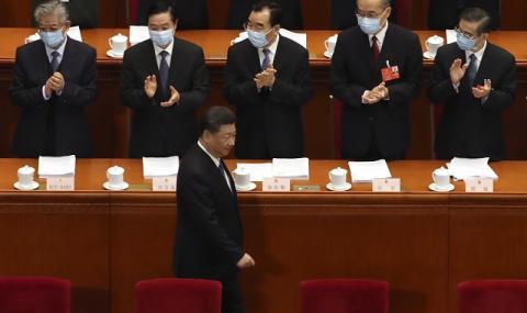 Китайските депутати откриха сесията на парламента с маски
