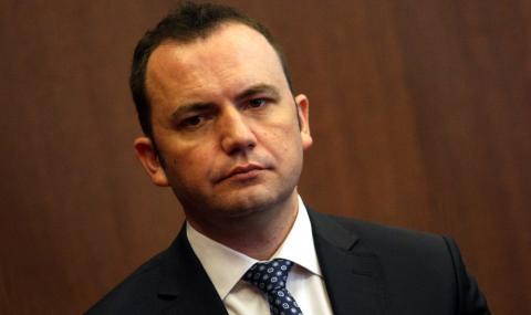 Македонският външен министър обеща да не ползва негативен речник спрямо България