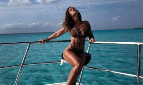 Една от най-сексапилните спортистки с нова доза горещи снимки