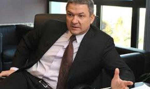 Бобоков: А дали чатовете не са взети от телефона на президента?
