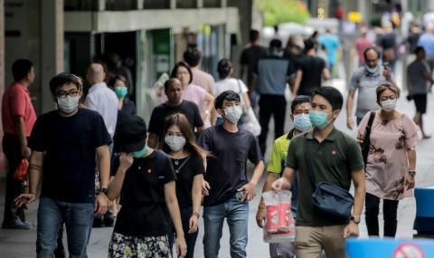 Задължително с маски в обществения транспорт в Сингапур