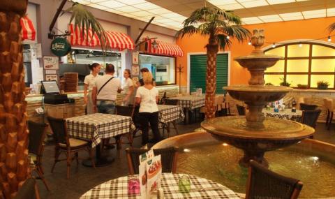 Отварят закритите части на ресторанти, сладкарници и барове