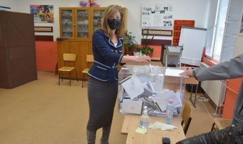 Захариева: Гласувах за европейското развитие на България