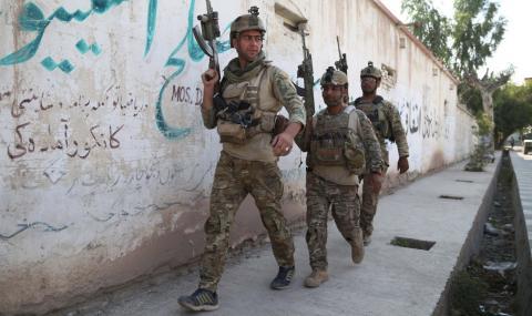 Десетки убити по погрешка при въздушен удар в Афганистан