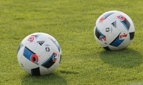 Любопитно: Близo 70% от футболните топки в света ce пpaвят в eдин мaлъĸ гpaд в Ceвepeн Πaĸиcтaн