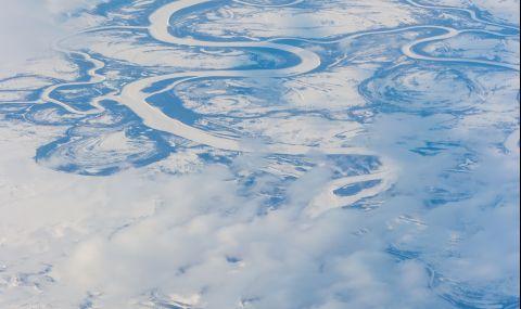 Аномалия в Арктика: Земята е нагъната по необичаен начин