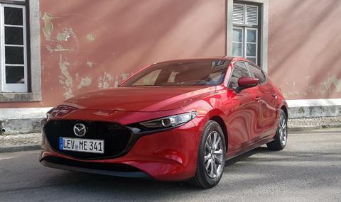 Тествахме новата Mazda3