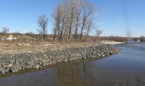 Две момичета се удавиха в река Върбица