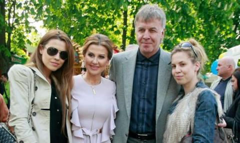 Наско Сираков и Илиана Раева станаха дядо и баба за трети път