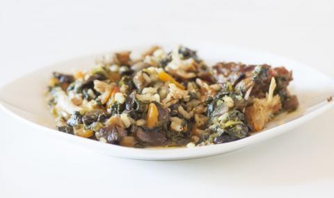 Рецепта на деня: Пълнен заек с ориз, гъби и спанак