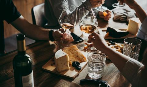 Франция забранява алкохола за лятото