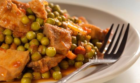 Рецепта за вечеря: Яхния с грах и свинско месо