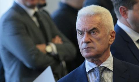 Обвиниха Волен Сидеров в две престъпления