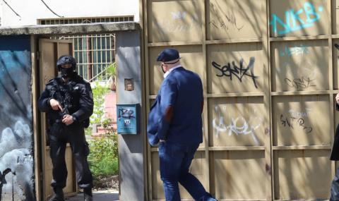 Акция в София, арестуваха заподозрени за побоя над Слави Ангелов (СНИМКИ)