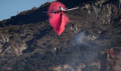 Овладяват пожарите в Калифорния