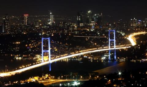 ЕС: Демокрацията в Турция е погазена