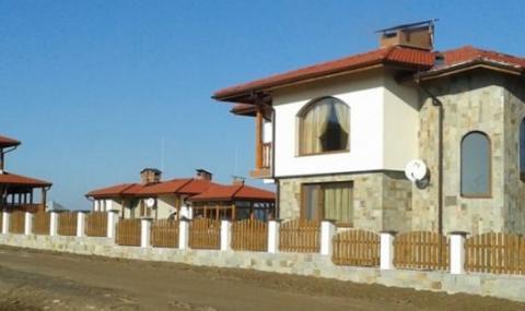 Роднини на Карадайъ държат половината къщи за гости в Борино