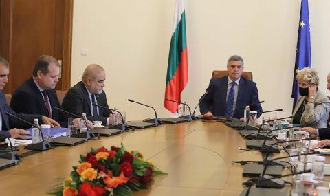 Пътни строители след срещата с Янев: Докато има диалог, ще се въздържаме от протести  - 1