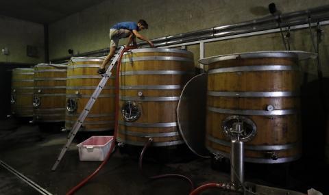 Смъртоносно! Трима души починаха в испанска винарна