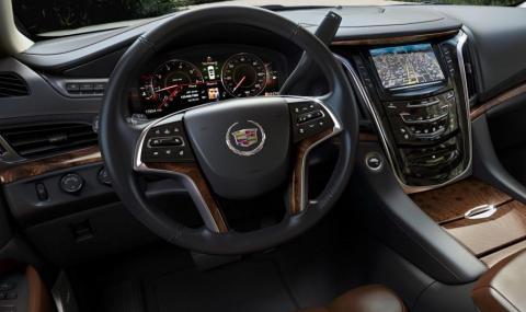 Рускиня осъди дилър на Cadillac за неприятна миризма в салона на Escalade