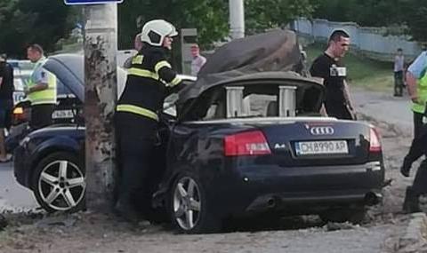 19-годишна загина при гонка с автомобили в Сливен