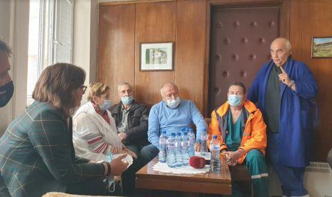 Нинова в Берковица: Борим се да задържим младите лекари в България