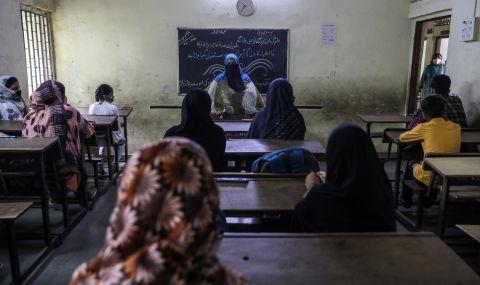 Училищата в Мумбай отвориха след година и половина прекъсване - 1