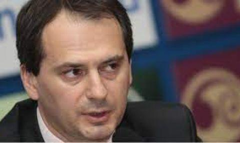 Христо Грозев: Взривовете в Чехия са свързани с отравянето на трима българи
