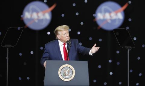 Дори гравитацията не може да задържи САЩ