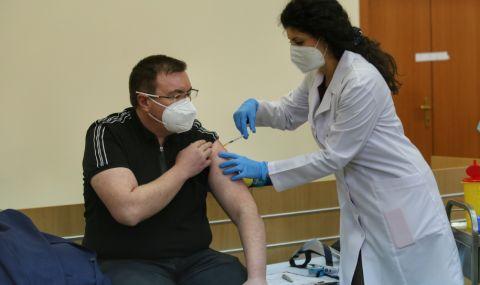Проф. Ангелов: Критиците на ваксините са социални лешояди, няма значение дали ресторантьорите ме одобряват или не