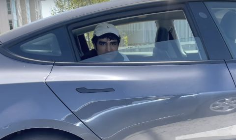 Арест за младеж возил се на задната седалка на Tesla с включен автопилот (ВИДЕО)