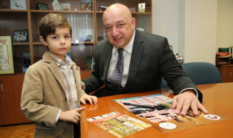 Красен Кралев се срещна с младата шахматна надежда Светлен Иванов - 1