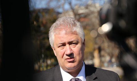 Министерството на здравеопазването разбрали за уволнението на проф. Балтов от медиите - 1