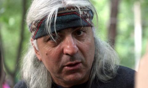 Васко Кръпката: Добре, че Слави влезе в парламента, от екрана е много по-опасен